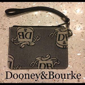 Dooney&Bourke Wristlet